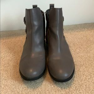 Gray Old Navy ankle boots, w10